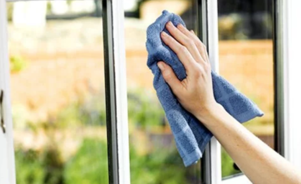 Glass Tabletop And Window Cleaning Guide